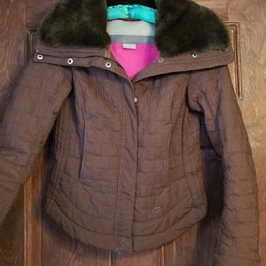 NIKE FITTED QUILTED JKT.W/FAUX FUR COLLAR~SWEET!